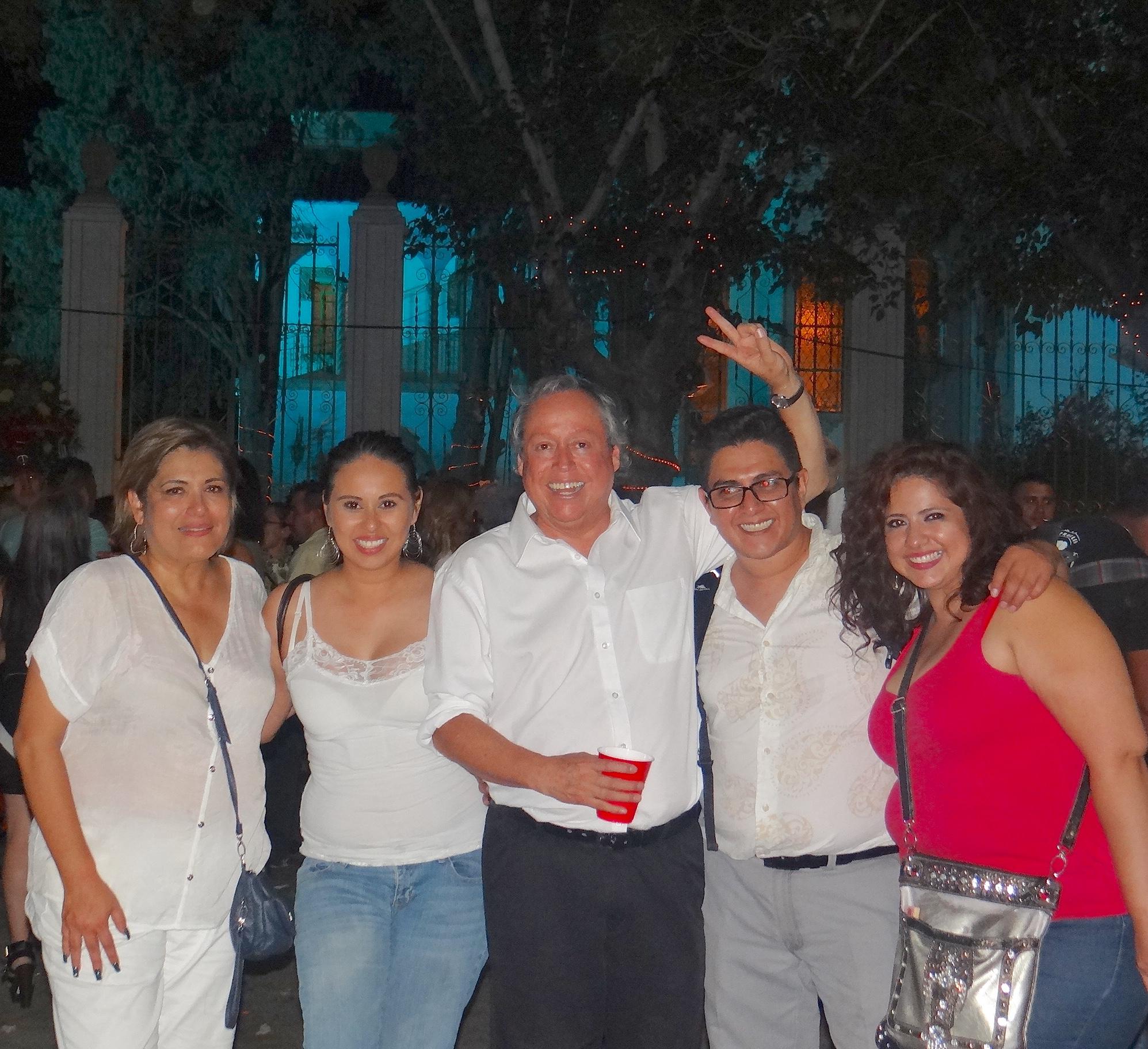 Arriban los restos de Juan Gabriel a Ciudad Juárez para homenaje