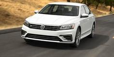 Relacionada 2016 volkswagen passat photos and info news car and driver photo 662254 s 429x262