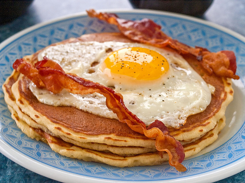 45252 pancake bacon and eggs